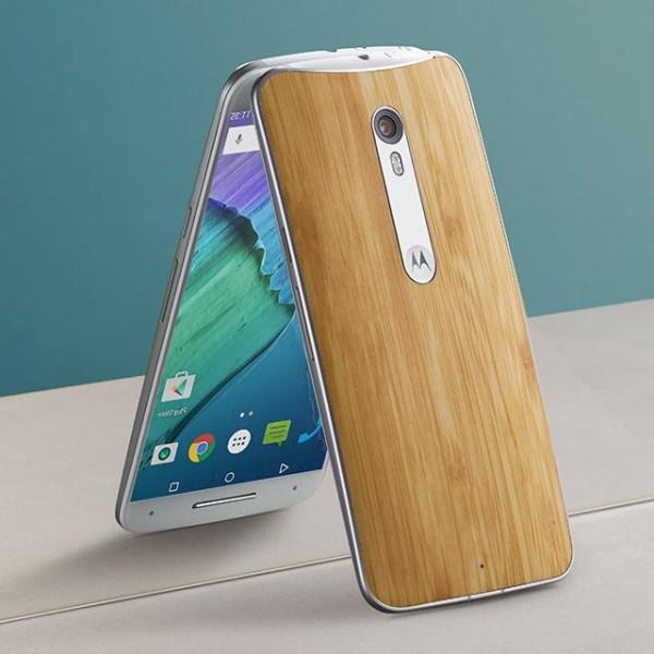 Motorola показала стильный Moto X Pure Edition